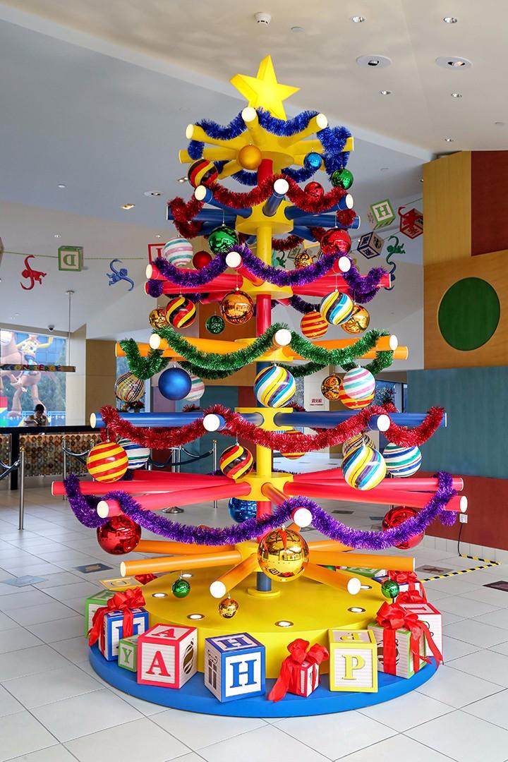 上海迪士尼度假区点亮迷人圣诞季